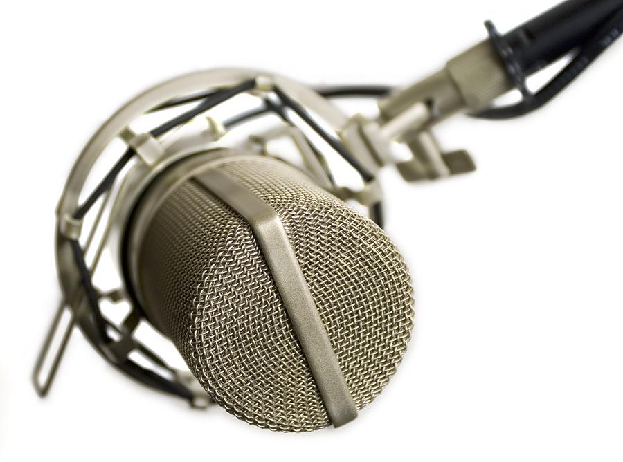 Mic Shootout: Blindfold Test  17 mics go diaphragm to diaphragm